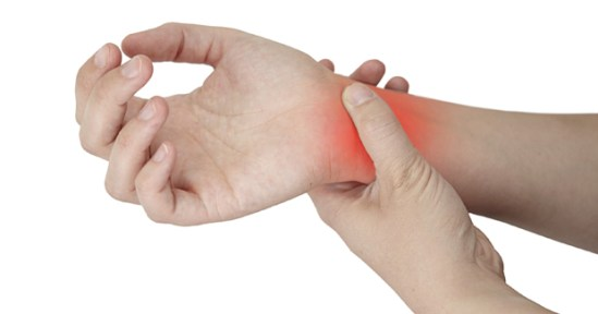 how to treat a sprained wrist