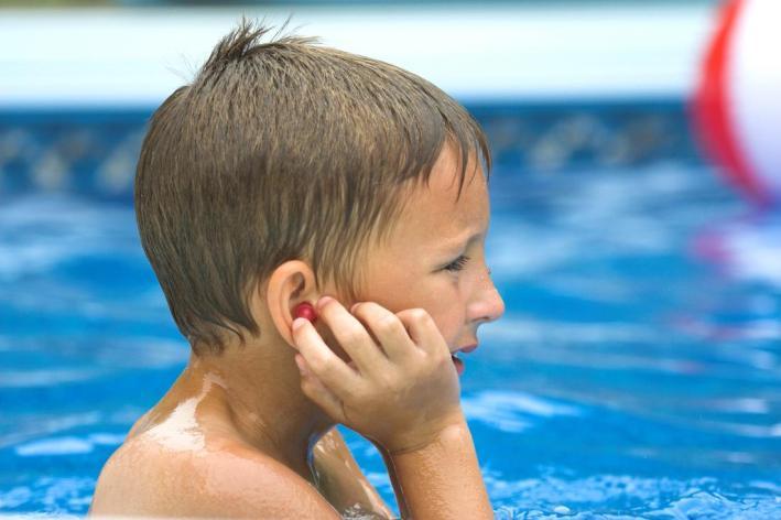 swimmer's ears