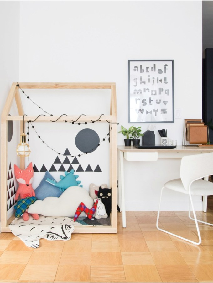 How to make a play area in a living room (even in small spaces)
