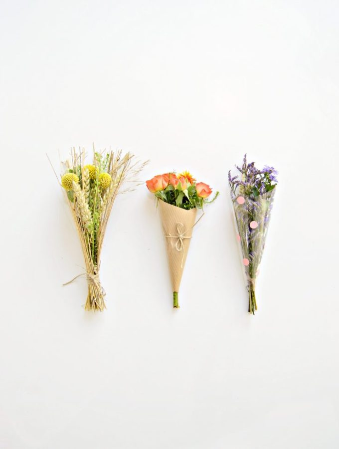 Make someone smile: How to wrap mini bouquets (to gift)