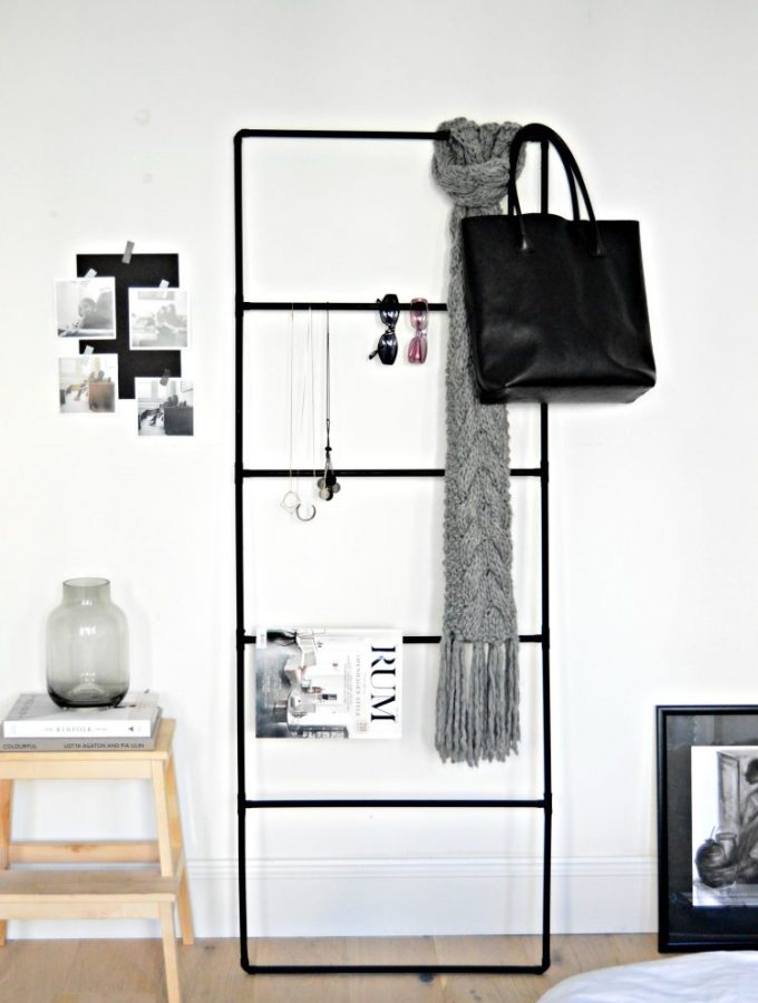 Minimal and chic DIY accessory organiser