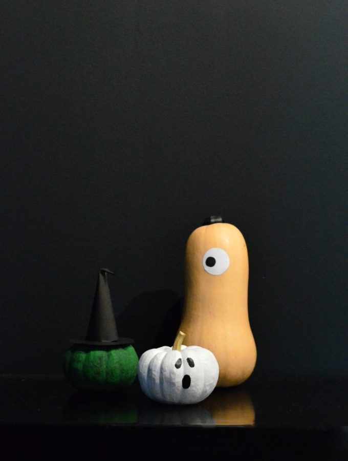 10 minute DIY: A (not so) spooky painted pumpkin family