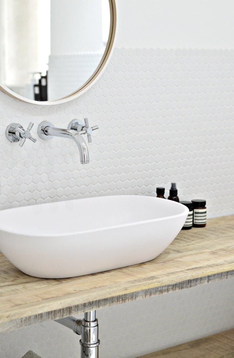 tips for a clutter free bathroom