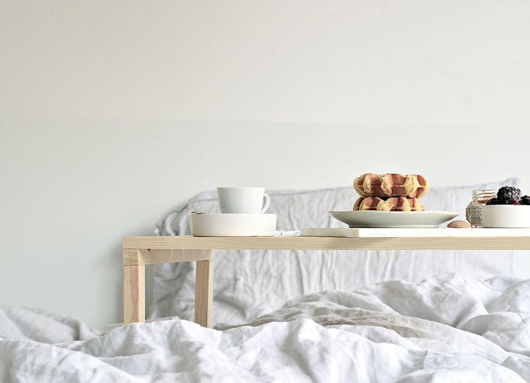 diy breakfast in bed tray table