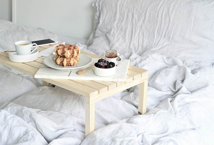 diy breakfast in bed table