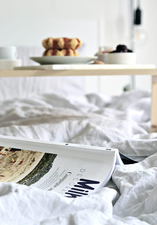 make a breakfast in bed