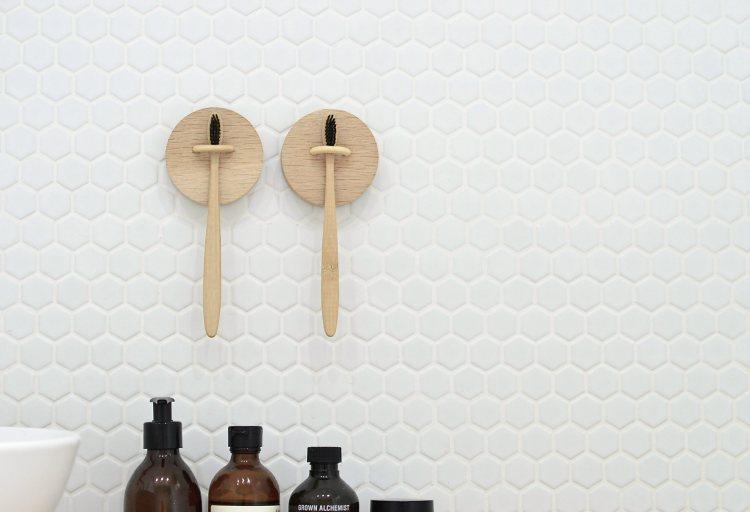 wall mounted toothbrush holder diy