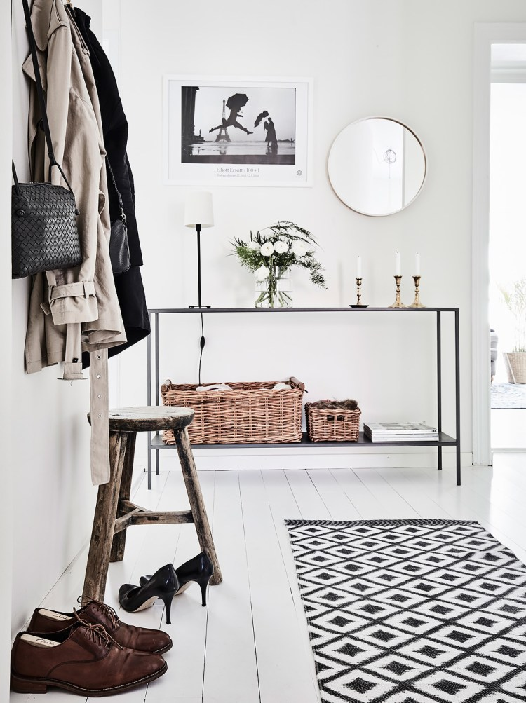 how to organise your entryway