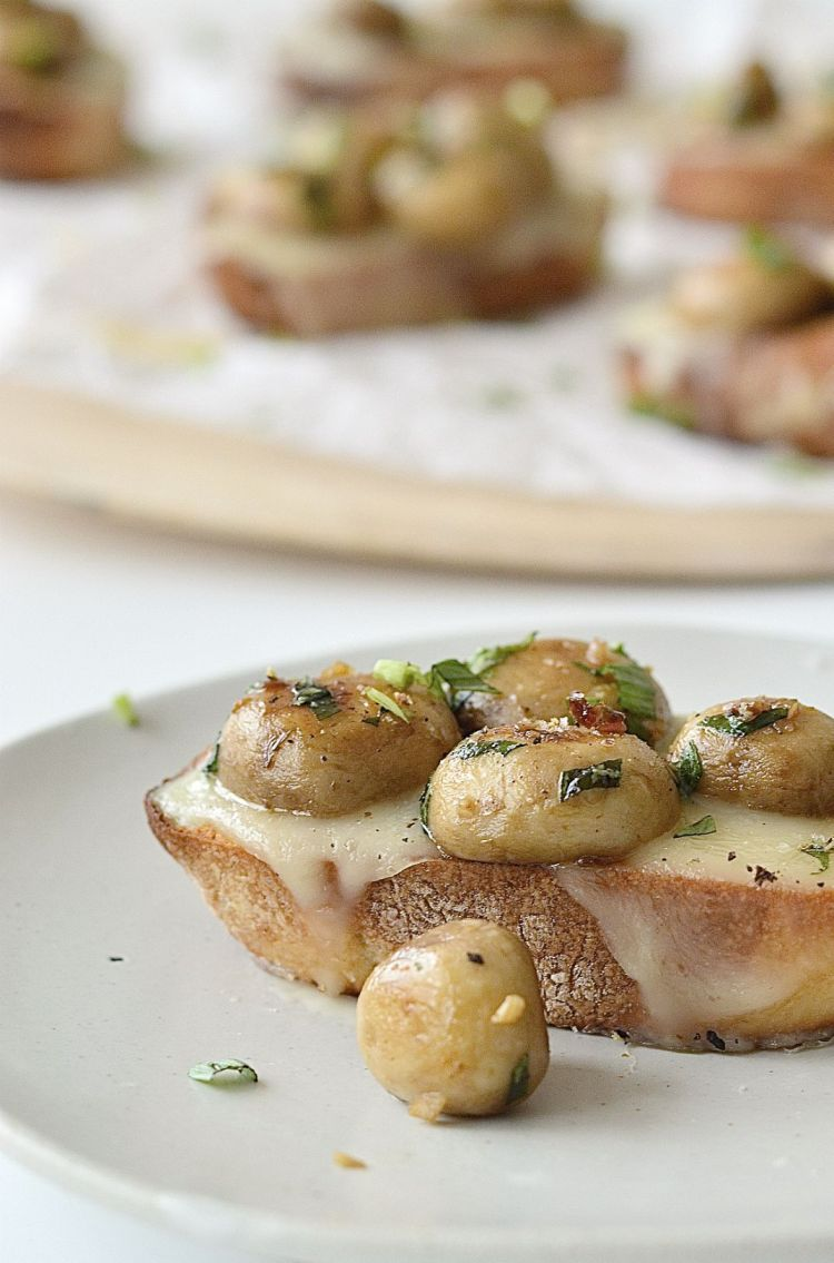 mushroom and cheese crostini recipe