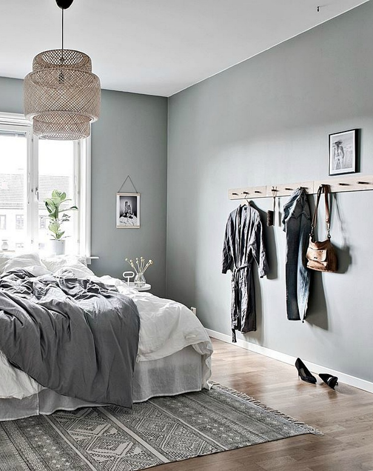 how to organize a cluttered bedroom