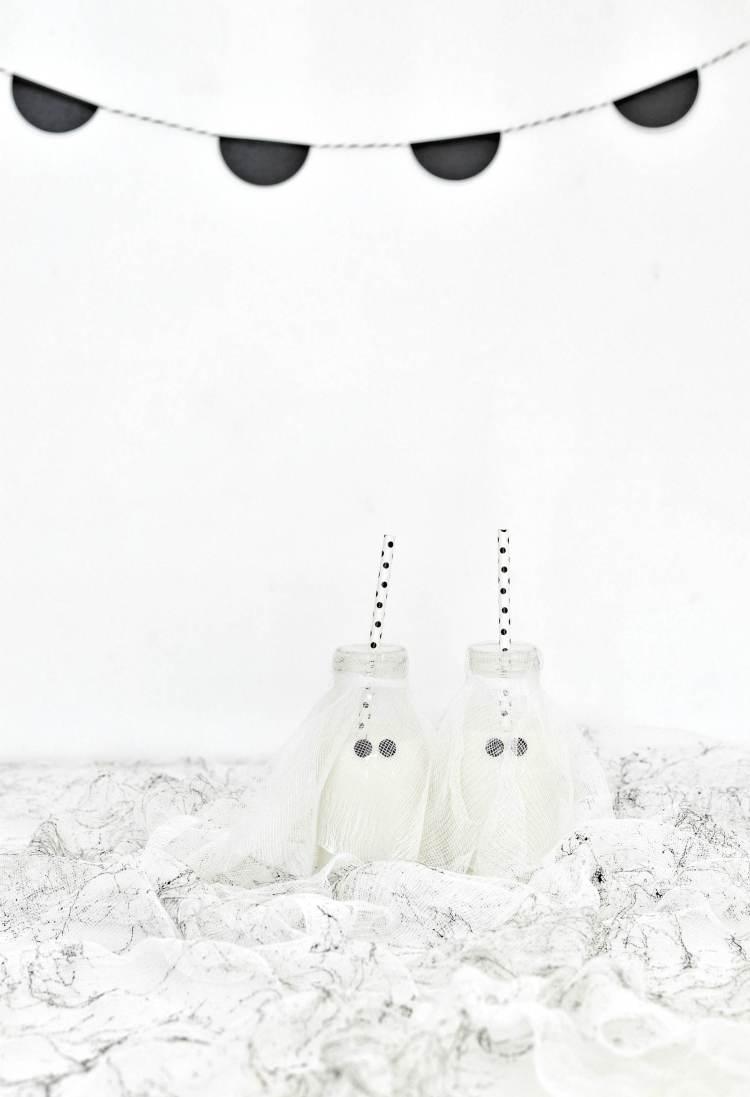 Halloween milk bottle ghosts diy