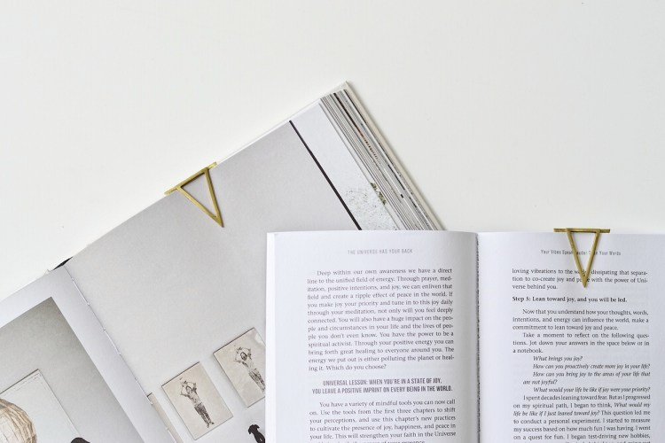 make your own clip bookmark diy