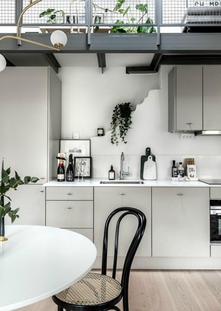 organising kitchen worktops