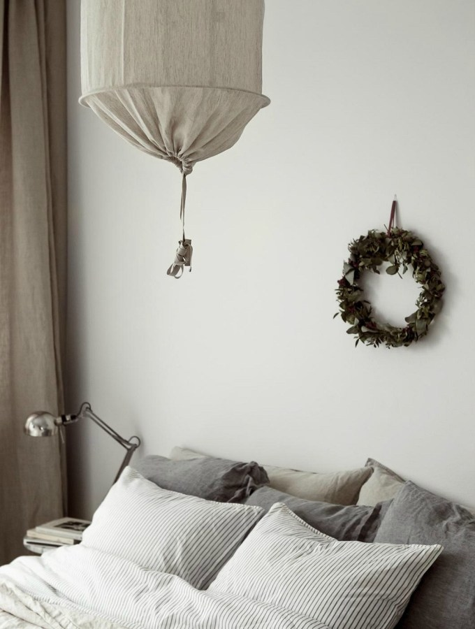 Christmas decor in bedroom wreath