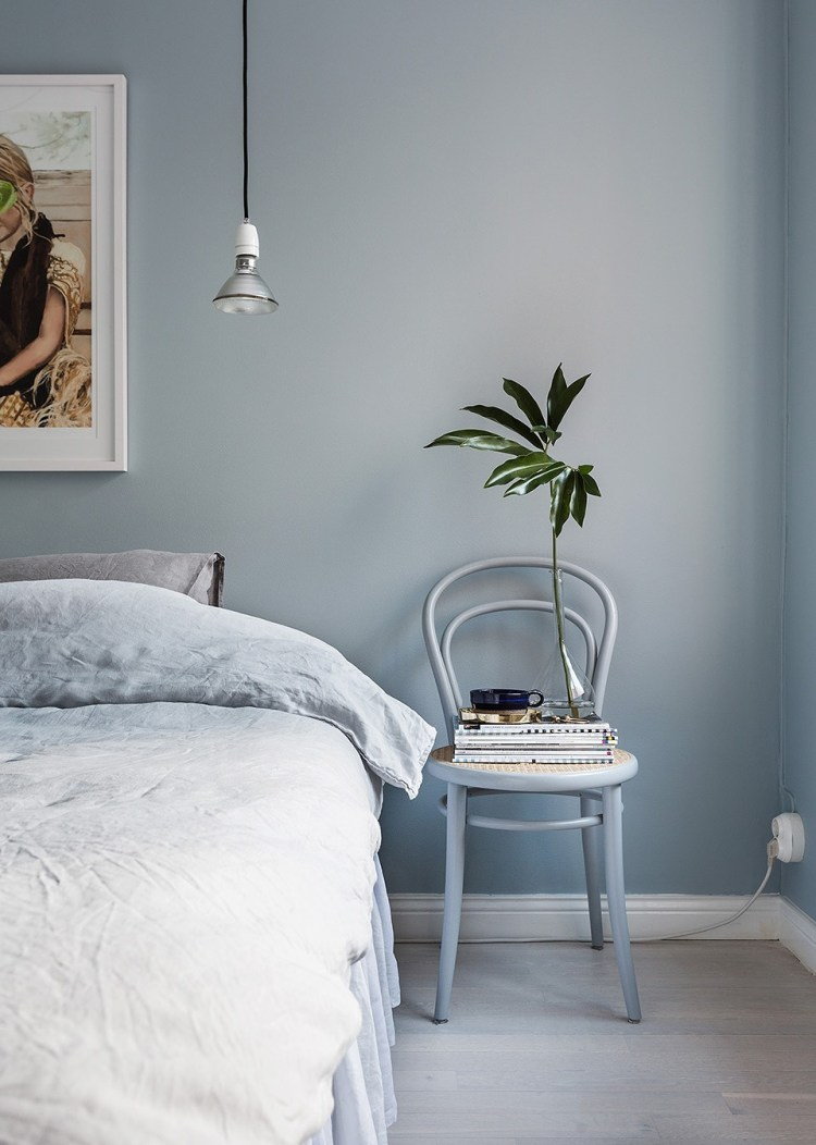 light grey bedroom one color