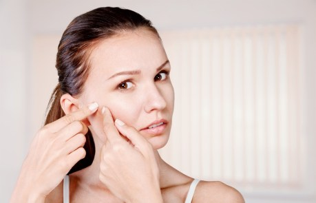 How to Clear Adult Acne: 14 Acne Removal Tips and Tricks