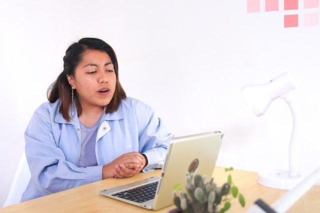 virtual school girl computer