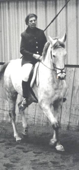Lazelle at Gladstone