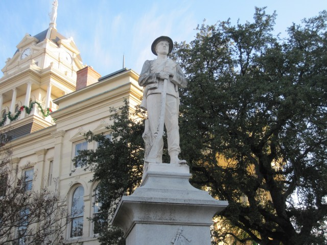 Nationwide Removal of All Confederate Statues Begins as Participation Trophies are Sent to Grieving Southerners