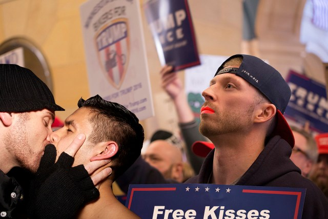 Protesters Set Up 'COVID Kissing Booths' in the Face of Government Warnings