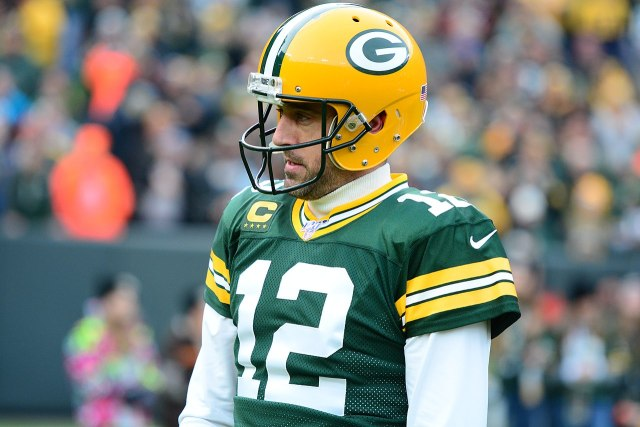 aaron rodgers continue play for packers to avoid madden curse