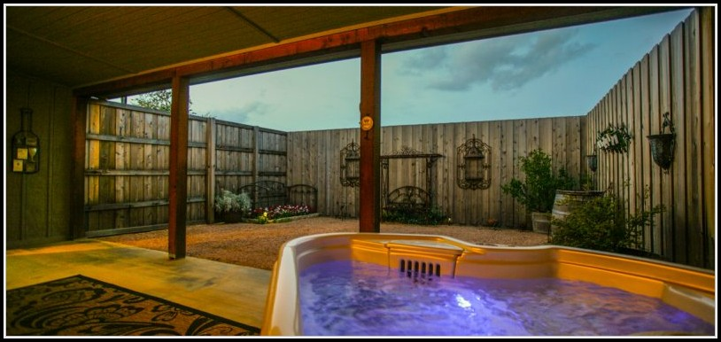 Fredericksburg Bed And Breakfast Private Hot Tub