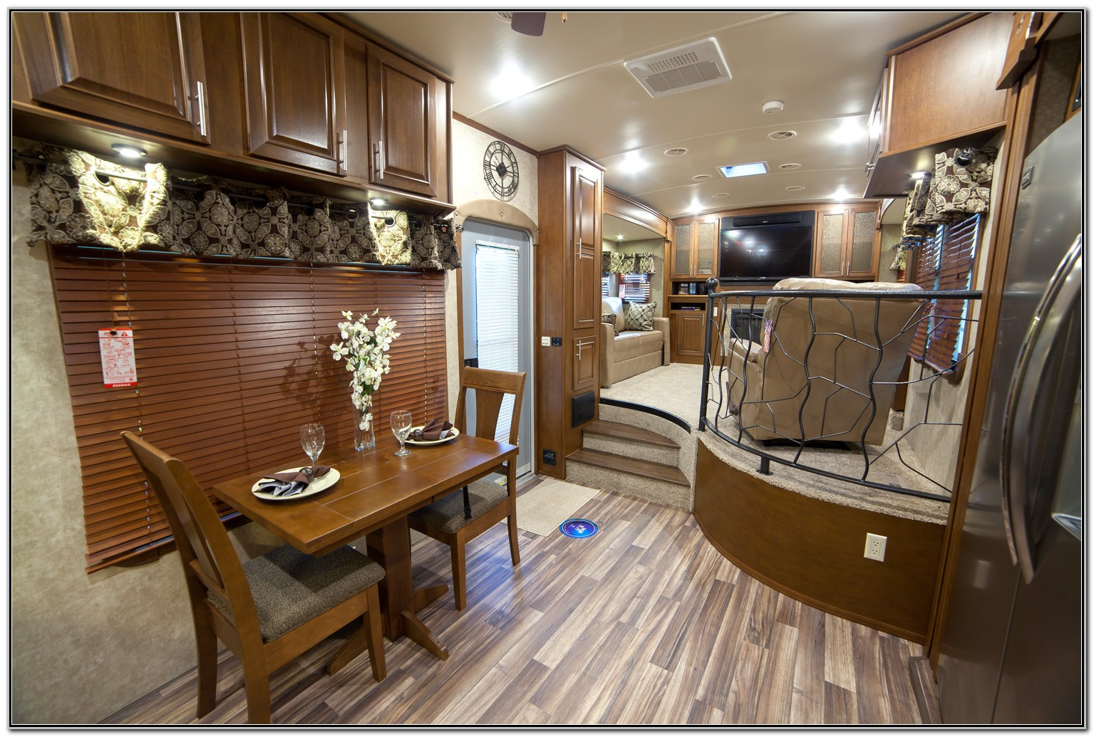 Front Living Room Fifth Wheel Campers
