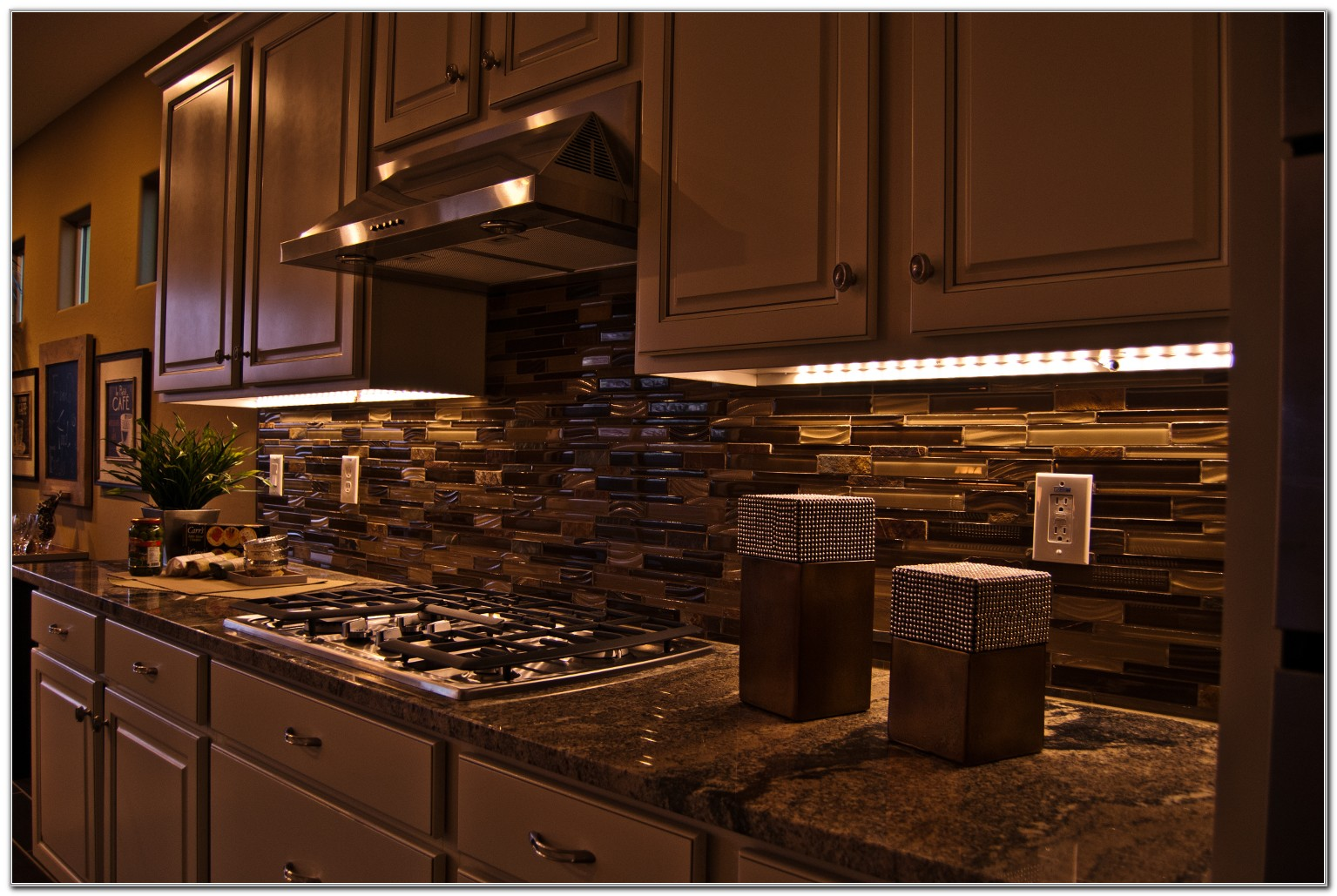 Led Lights Under Cabinets