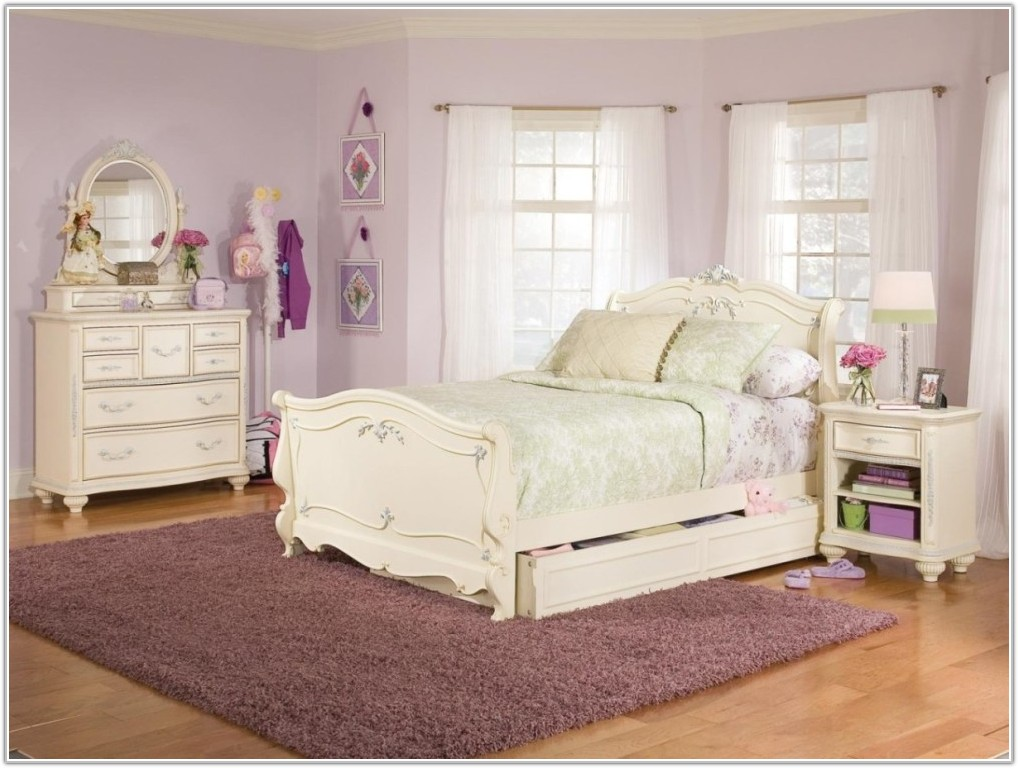 Antique White Bedroom Sets Canada