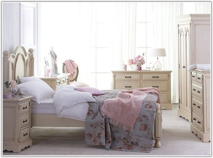 Pink Shabby Chic Bedroom Accessories