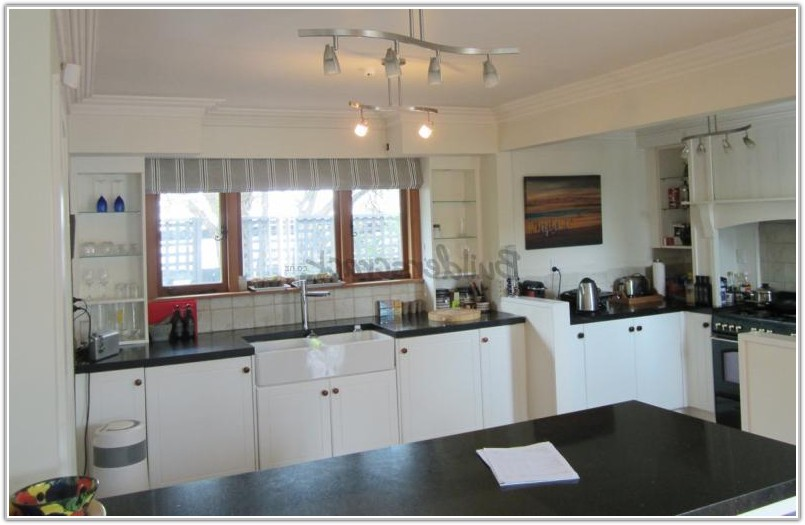 Glass Fronted Kitchen Wall Cabinets