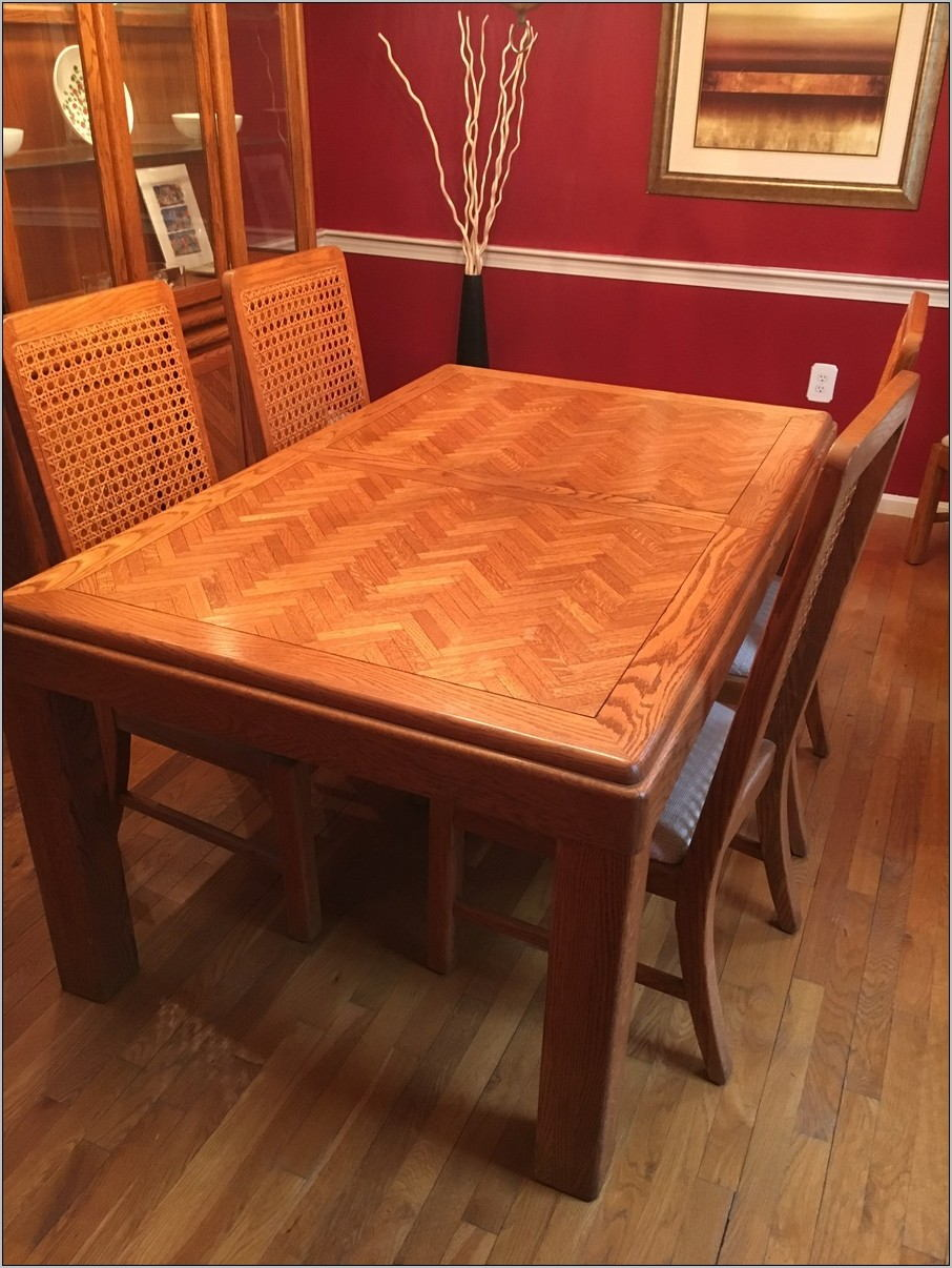 Link Taylor Dining Room Set