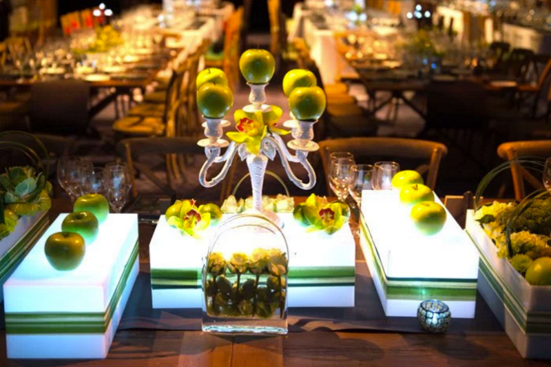 Apple Centerpiece YES