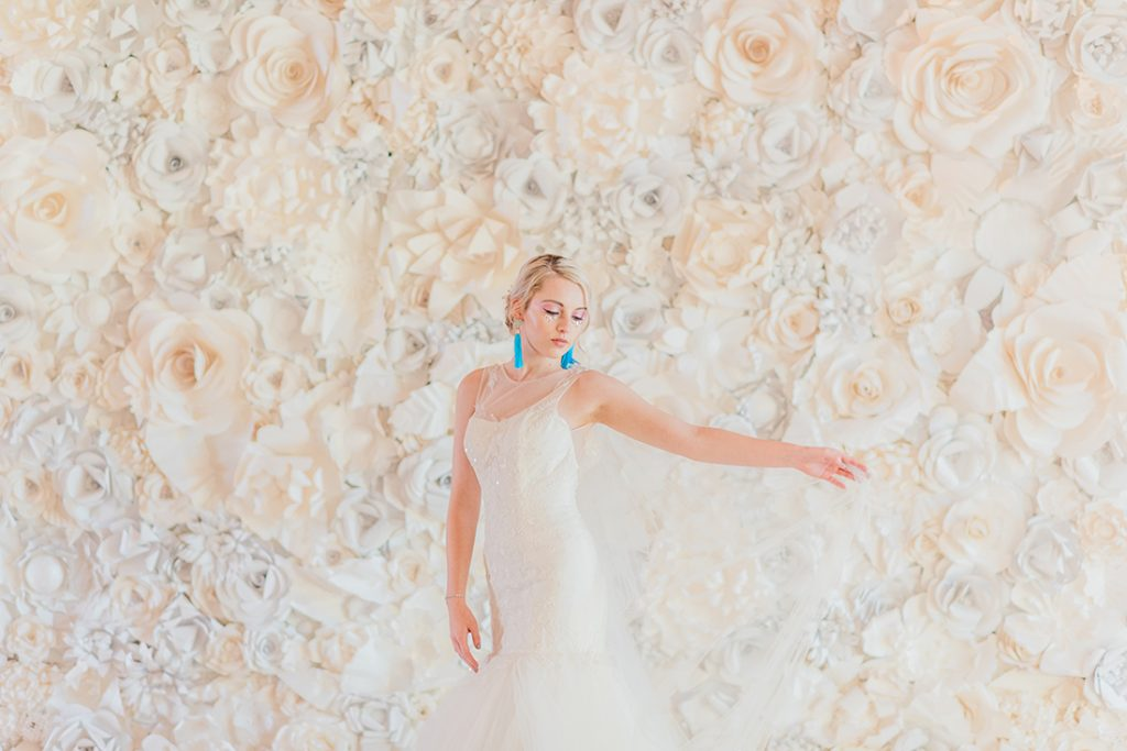 Unicorn inspired wedding style | pearlescent | flower wall