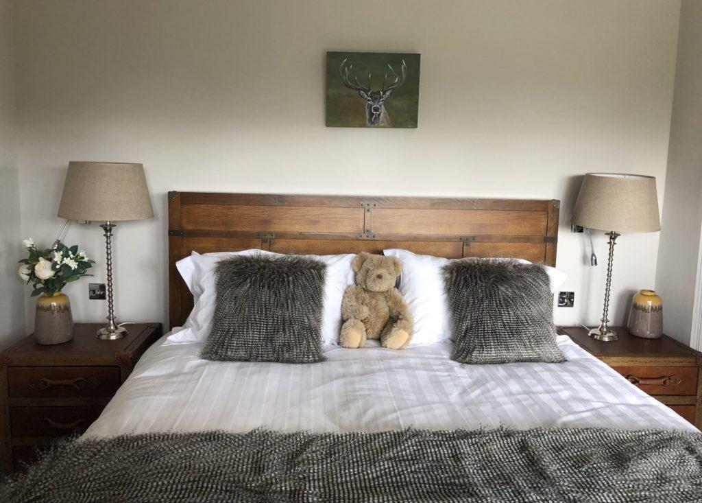 Tasteful Bedroom at Woodland Lodge