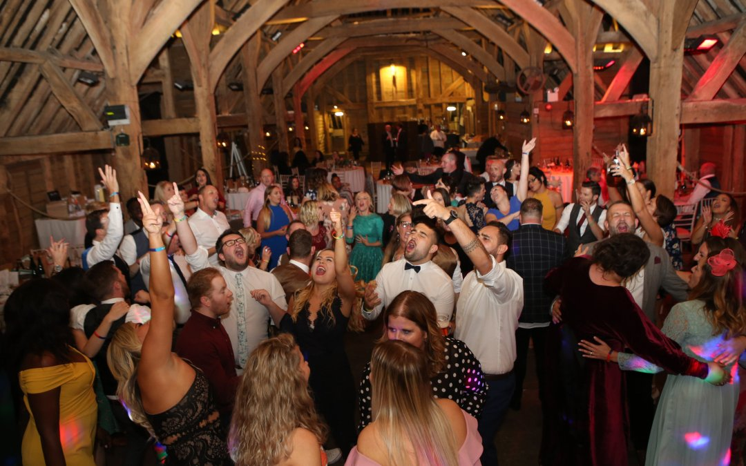 Top Tips To Keep Your Dance Floor Full