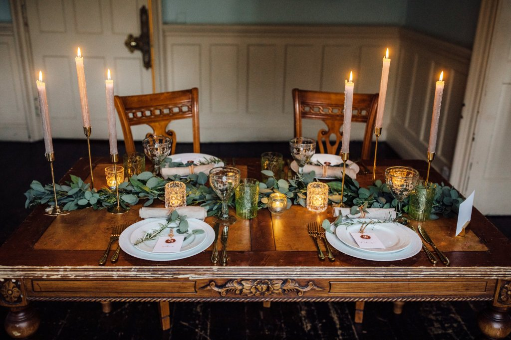 Table Setting at a Winter Wedding