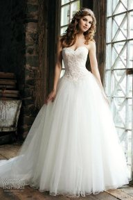Beautiful Sweetheart Neckline Wedding Dresses For Summer