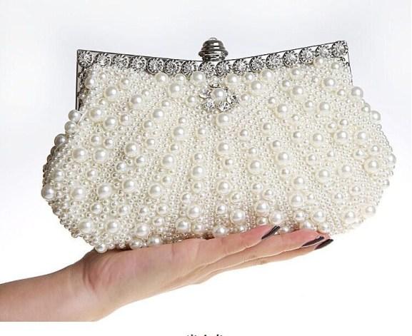 Glamorous Bridal Handbags Every Bride Should Carry On Weddings 3
