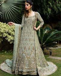 Gorgeous Walima Dresses For Summer Season Weddings 4