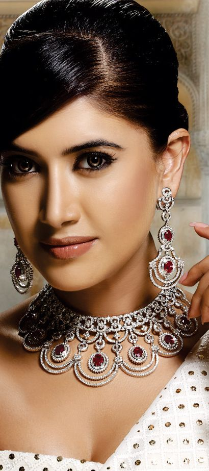 Asian Bridal Jewelry Styles & How To Carry With Dress 7