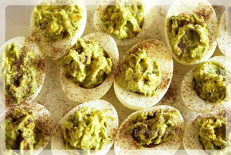 Healthy Avocado Eggs at your food fantasy | yourfoodfantasy.com