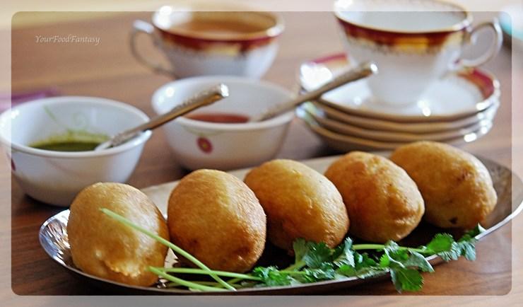 Potato Stuffed Bread Roll