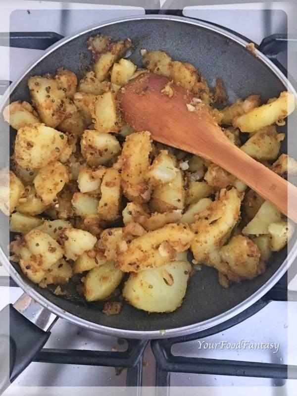 Bombay Aloo Recipe | Bombay Potatoes | Sookhi Aloo Sabzi | YourFoodFantasy.com