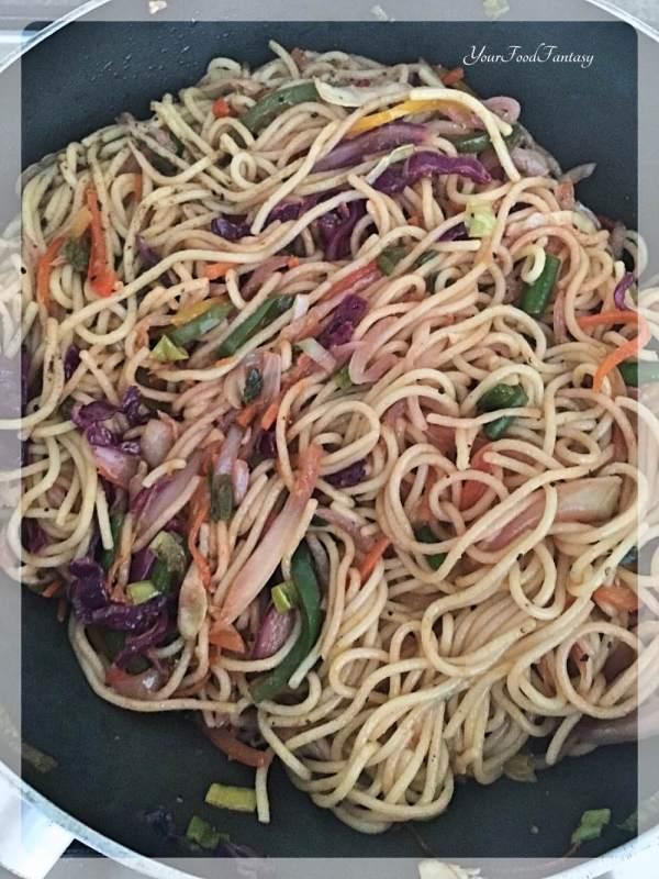 Hakka Noodles - How To Make at Home