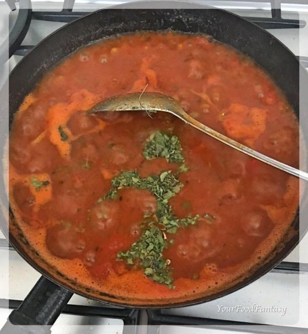 One Pot Potato Tomato Curry | YourFoodFantasy.com