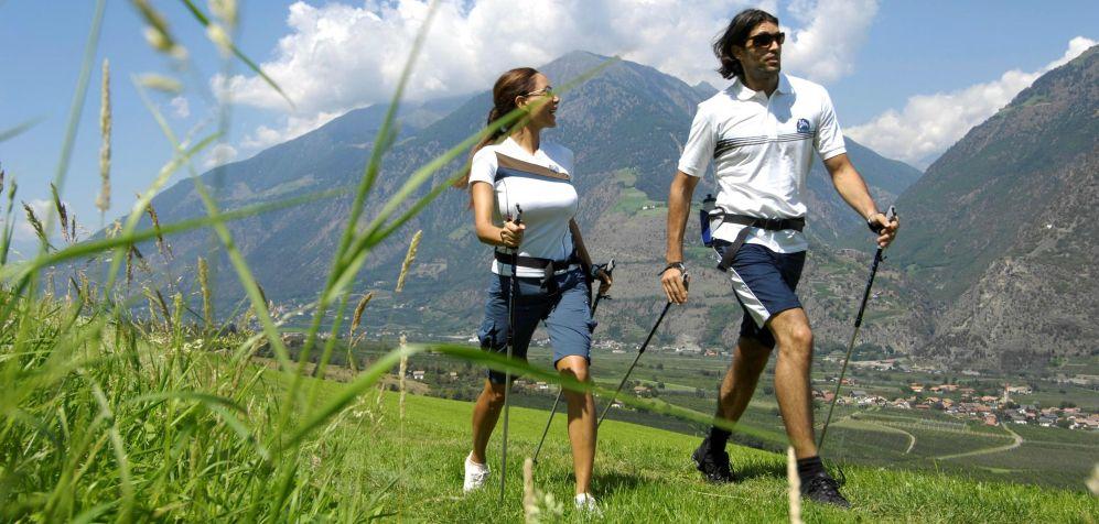 Nordic walking la tecnica e i benefici sulla salute