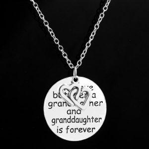 necklace-ladies-grandma-the-love-between-a-granddaughter