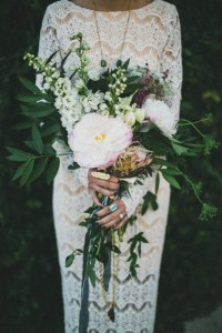 striking-woodland-wedidng-bouquets-to-rock-3-500x749