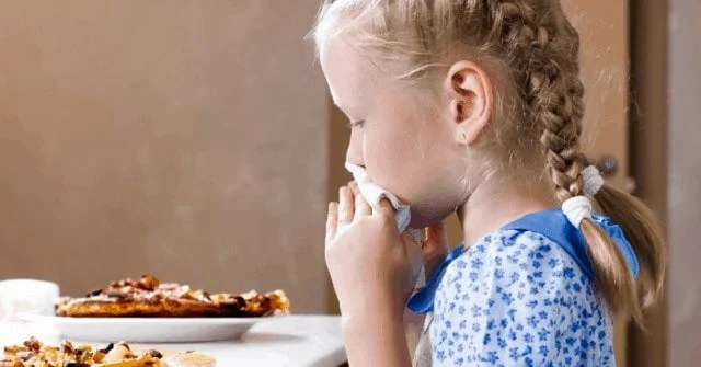 """Learn what kids table manners your child """"should"""" have and at what age. Plus, when you should consider exceptions to some of the most popular kids table manners!"""